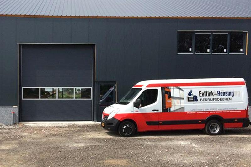 Bedrijfsdeuren specialist, sectionaaldeur en servicebus eeftink rensing