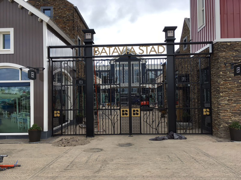 Bedrijfsdeuren specialist, metalen entreedeur batavia stad van eeftink rensing